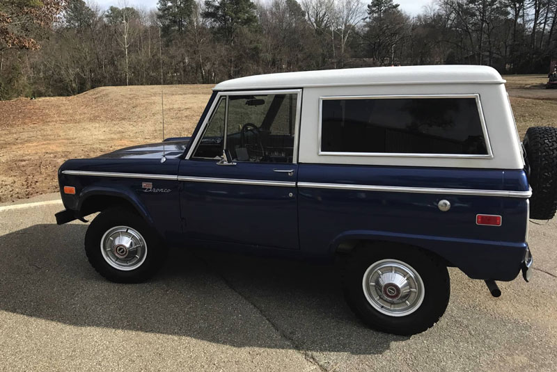 1973-Ford-Bronco-blue3-button